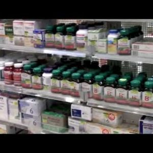 HEALTH AND WELLNESS : 25 AND OVER WOMENS VITAMINS  ..........