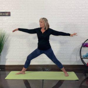 15-Minute Energizing Yoga Flow | SilverSneakers